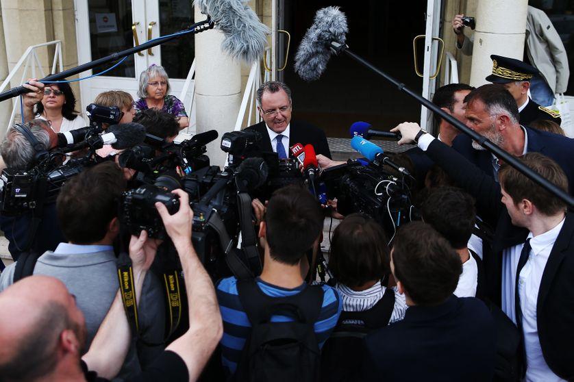 Le ministre de la Cohésion territoriale Richard Ferrand sous le feu des critiques, ici en visite à Deauville (29 mai 2017)