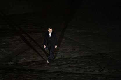 Emmanuel Macron dans la cour carrée du Louvre lors de la soirée du deuxième tour des présidentielles.
