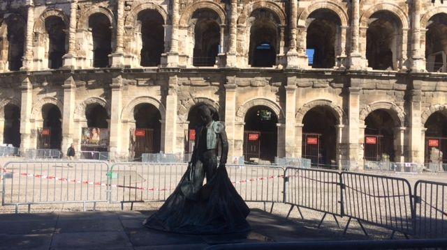 L'emblème de Nîmes à nouveau souillé.