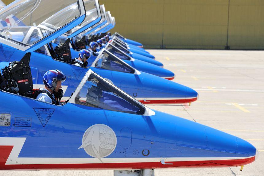 Les pilotes de la Patrouille de France avant leur démonstration (photo d'illustration)
