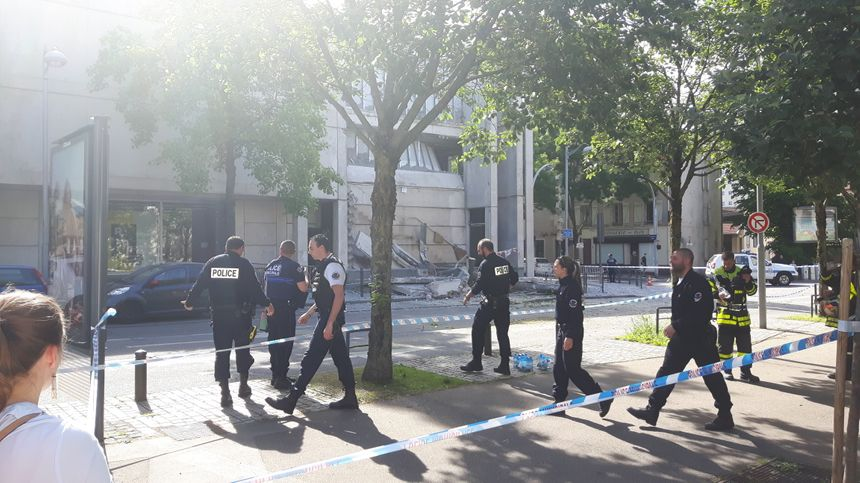Un périmètre de sécurité a été mis en place rue bastien lepage radio france