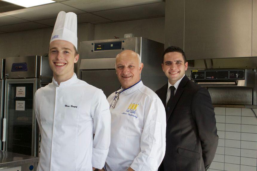 Alain Dublanchet enseigne au Lycée Hôtelier Paul Augier. Il est en charge des Bac Pro, des jeunes gens en devenir dont le talent fleurira dans de grandes cuisines.