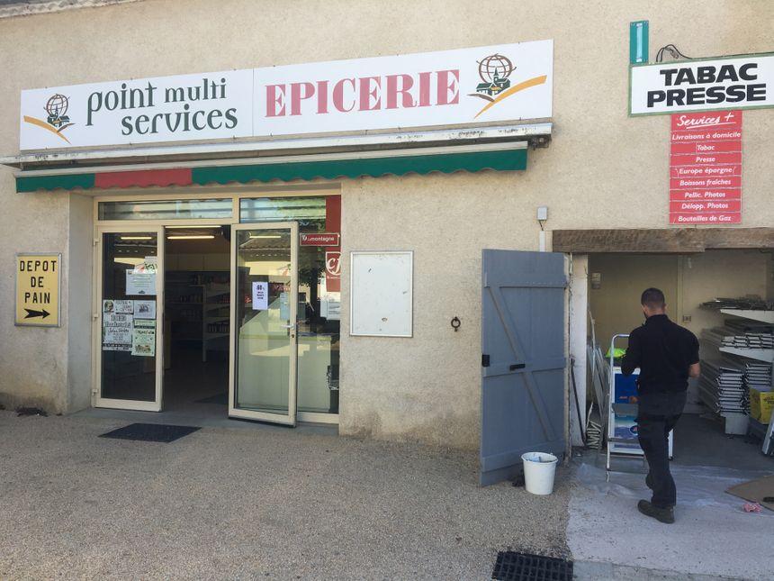 L'épicerie de Jeanzat ouvre tous les matins de  8h à 10h grâce aux élus municipaux