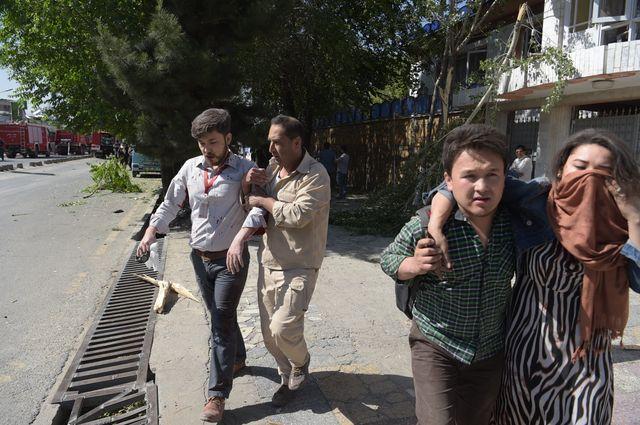Explosion d'un camion piégé à Kaboul : des dizaines de morts, des centaines de blessés