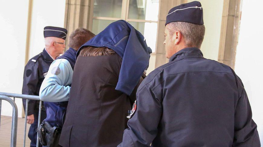 Ludivine Chambet était accusée d'avoir empoisonné 13 personnes âgées dans la maison de retraite où elle travaillait, dix en sont mortes.
