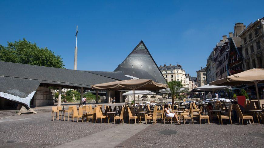 La première circonscription de Seine-Maritime englobe Rouen, Déville et Mont Saint-Aignan