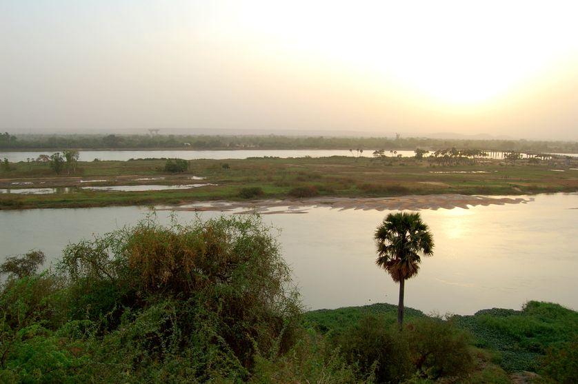 Le fleuve Niger près de Niamey au Niger