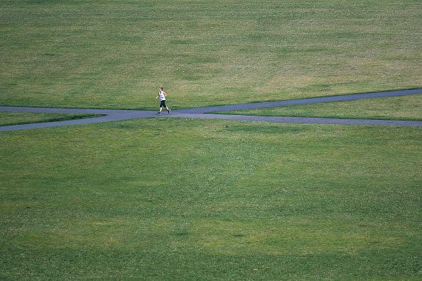 Une joggeuse...seule !