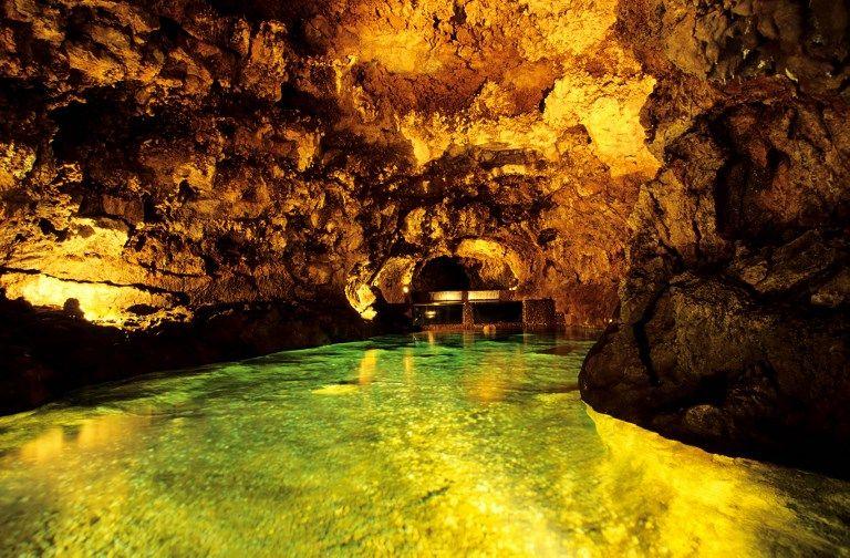 Rivière souterraine au Portugal