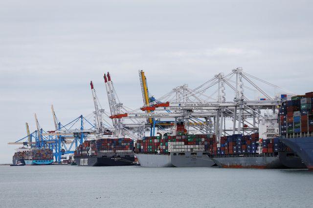 Le port du Havre a accueilli 2,5 millions de conteneurs et 222000 passagers en 2015.