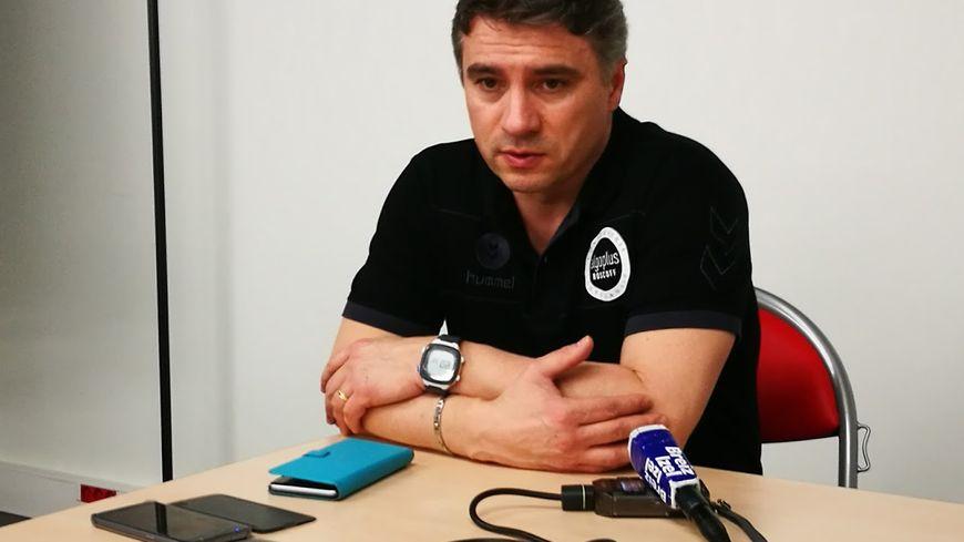 Laurent Bezeau, entraîneur du BBH