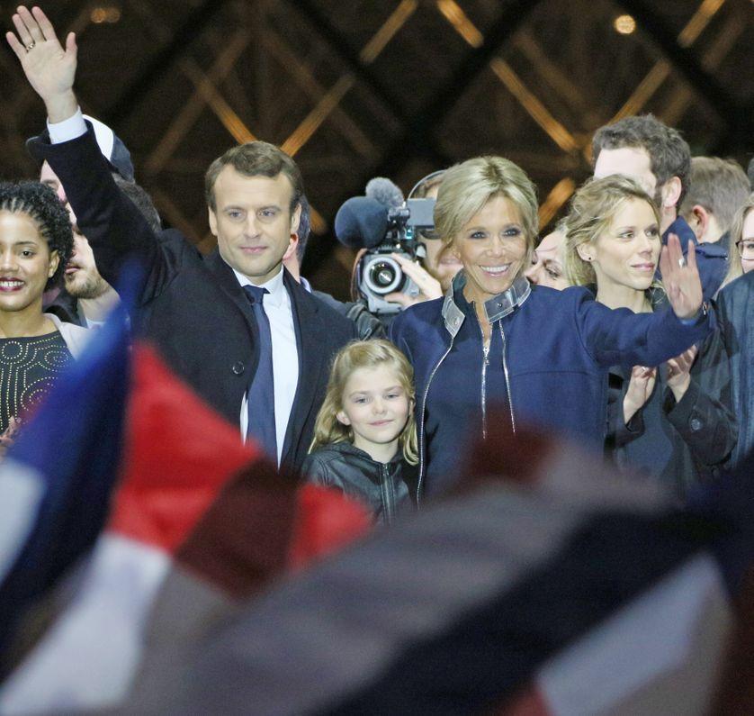 Emmanuel Macron, plus jeune président de la République, élu avec 66,06% des voix
