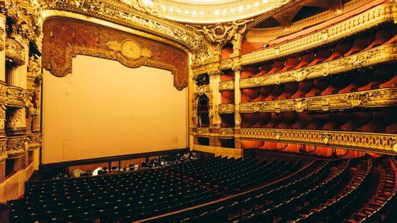 Vue intérieure de l'Opéra Garnier à Paris