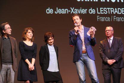 """Le réalisateur Jean-Xavier de Lestrade reçoit le Fipa d'or pour son film """"3 fois Manon"""" à Biarritz - 25 janvier 2014"""
