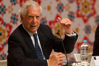 Le lauréat du Prix Nobel, le Péruvien Mario Vargas Llosa, à Guadalajara, au Mexique, le 26 novembre 2016.