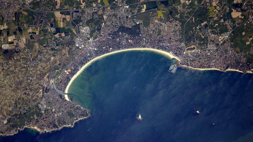 La baie de La Baule depuis l'espace
