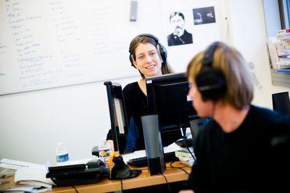 """Adele Van Reeth prepare dans son bureau """"Les Nouveaux chemins de la Connaissance"""" en décembre 2016"""