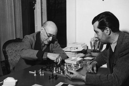 André Gide et Marc Allégret en 1945