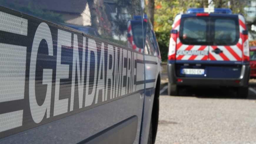 Des véhicules de gendarmerie