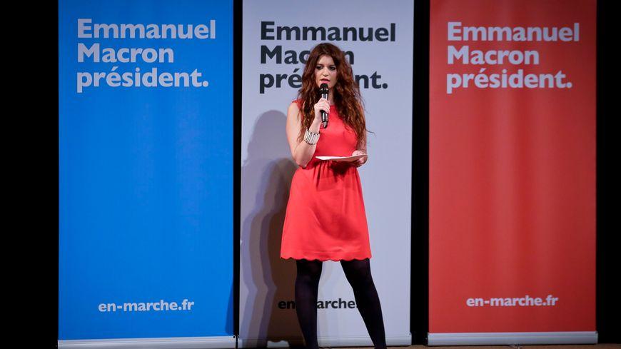 L'élue mancelle Marlène Schiappa lors de la journée internationale du droit des femmes pendant la campagne présidentielle, le 8 mars 2017