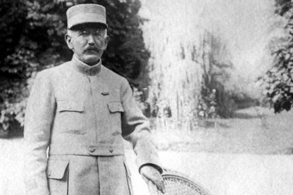 Photo d'archive non datée du capitaine Alfred Dreyfus en uniforme, prise dans un endroit inconnu après sa réhabilitation.