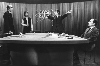 Valéry Giscard d'Estaing, Jacqueline Baudrier, Alain Duhamel et François Mitterrand - Débat du 2nd tour de la présidentielle 1974