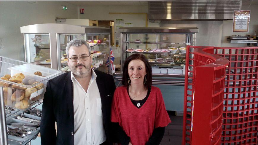 Philippe Bascunana, directeur de Messidor Isère, et Cindy Lantheaume, assistante de site, se souviennent du passage d'Emmanuel Macron dans leur restaurant.