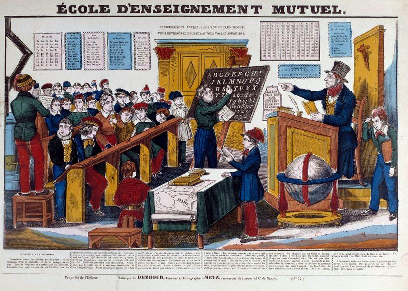 Une ecole d'enseignement mutuel introduit en France vers 1815. Gravure du 19ème siècle Paris, musée Carnavalet