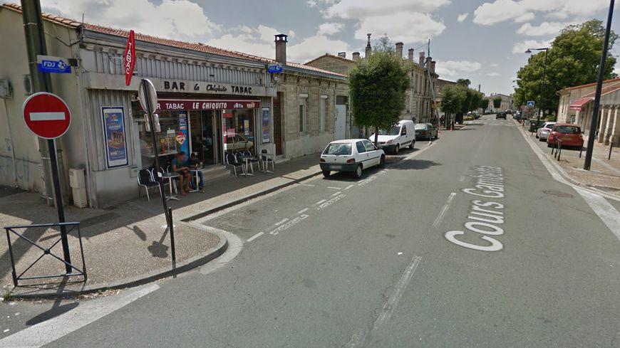 Bordeaux quand les clients d un bar arrêtent un braqueur