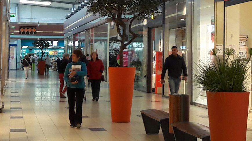 A Châtellerault les zones commerciales attirent clients et commerçants au détriment du centre-ville.