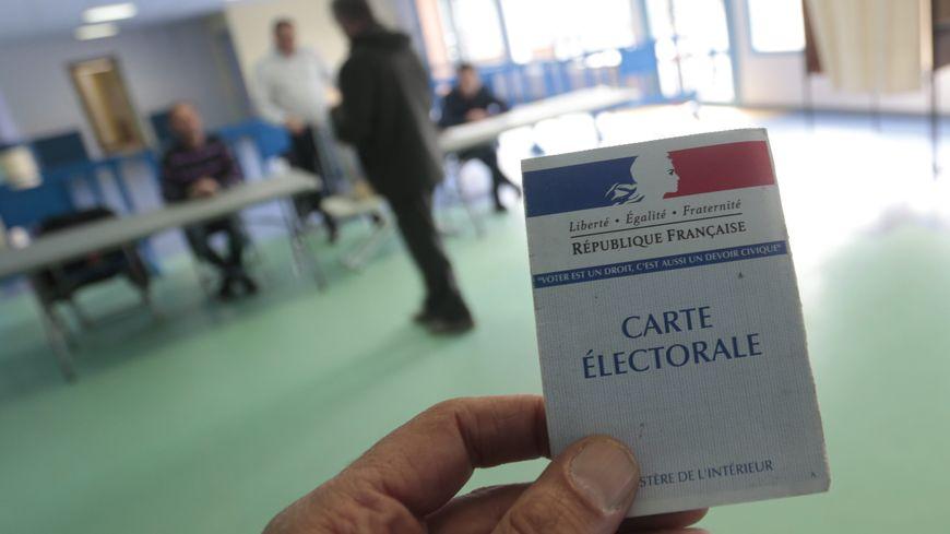 Le premier tour des législatives a lieu le 11 juin 2017, le second tour le 18 juin 2017.