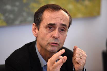 Robert Ménard en conférence de presse le 19 janvier 2016 à Béziers, sur le projet de création d'une milice patriote.
