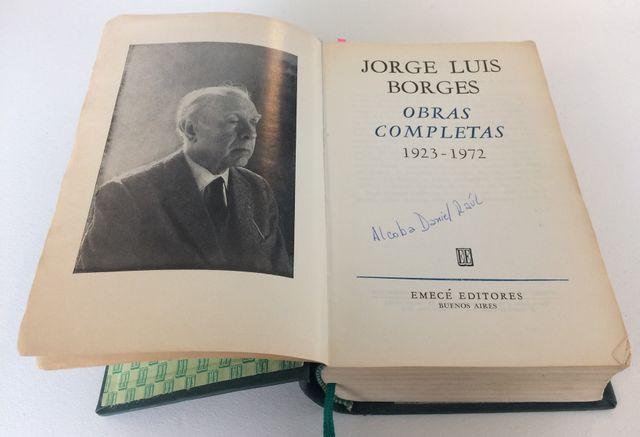 l'Anthologie de Borges ayant appartenu au père de Laura Alcoba