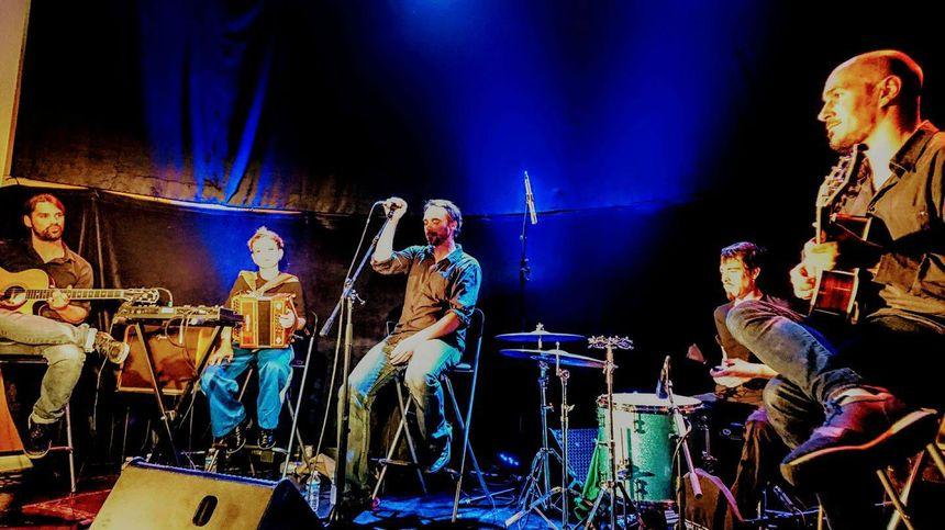 Le groupe Klone lors d'un concert à Poitiers le 7 Avril 2017