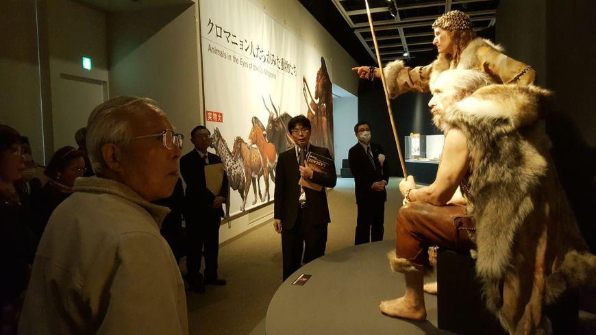 L'exposition s'étend sur plus de 800 mètres carrés.
