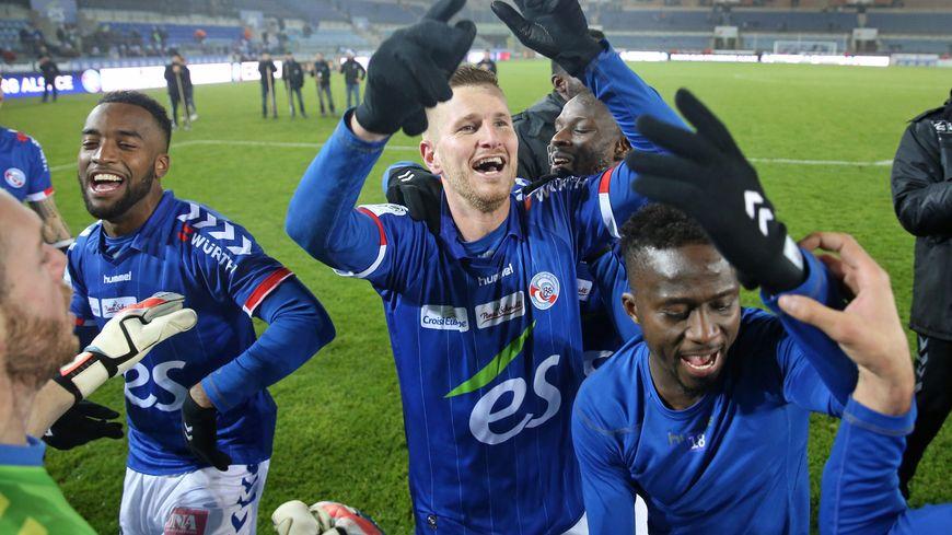 La joie de Jéremy Grimm et des joueurs du Racing après la victoire du match aller face à Niort pourrait être encore décuplée ce vendredi soir en cas de montée en Ligue 1