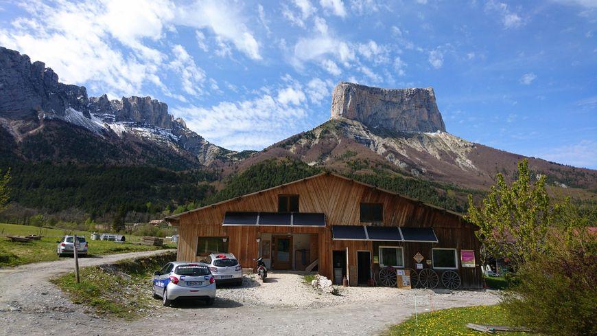 Chichilianne, au pied du Mont Aiguille
