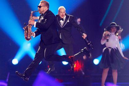 """Le groupe Sunstroke Project et son saxophoniste Serguey Stepanov, plus connu sous le nom de """"Epic Sax Guy"""""""