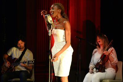 Ala.Ni au Fnac Live de Paris en 2015
