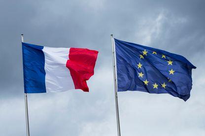 Drapeaux Français et Européen