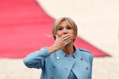 """Brigitte Macron, notamment, a vu son identité """"empruntée"""" sur Twitter"""