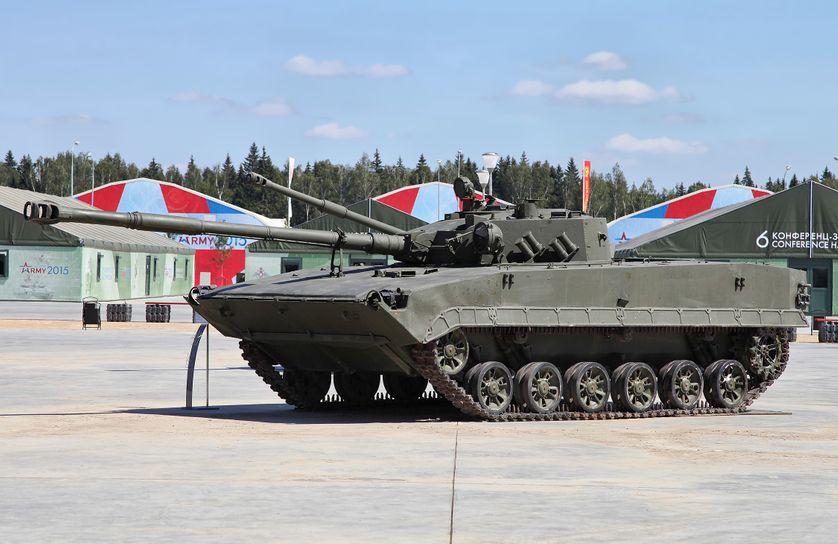 """Char d'exposition au Patriot Park de Moscou, le """"Disneyland militaire de Poutine"""", 25 juillet 2015"""