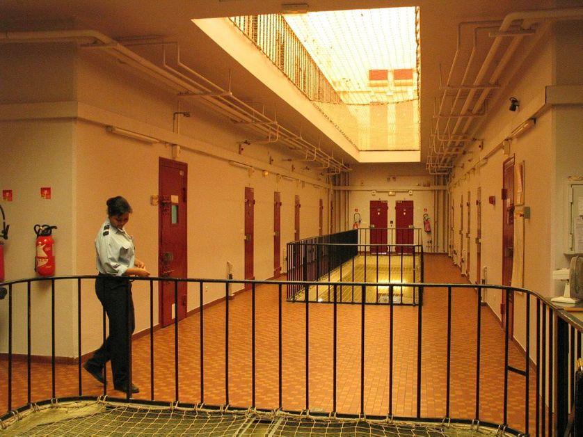 A la maison d'arrêt pour femmes de Versailles, chaque mardi, des activités culturelles sont proposées à la soixantaine de détenues.