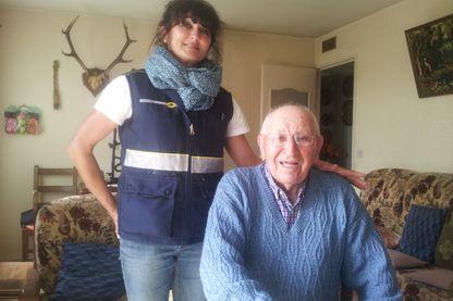 Emmanuel Moreau a rencontré un usagé du nouveau service de la Poste : Veiller sur mes parents - Dreux, mai 2017