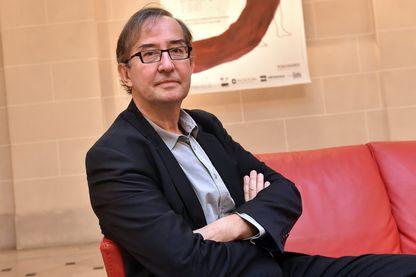Guy Cassiers durant la conférence de presse de l'opéra Xerse en 2015