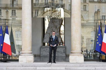 Alexis Kohler, secrétaire général du Palais présidentiel de l'Elysée, annonce la composition du nouveau gouvernement français, le 17 mai 2017 à Paris, deux jours après la nomination du Premier ministre français Edouard Philippe.