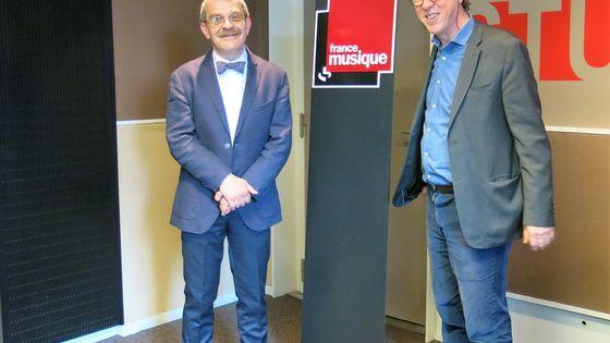 France Musique, studio 131... Guy Krivopissko, directeur du Musée de la Résistance nationale de Champigny-sur-Marne & le producteur Benoît Duteurtre (de g. à d.)