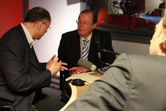 En 2012, Roger Moore répondait aux questions de François Busnel sur les ondes de France Inter