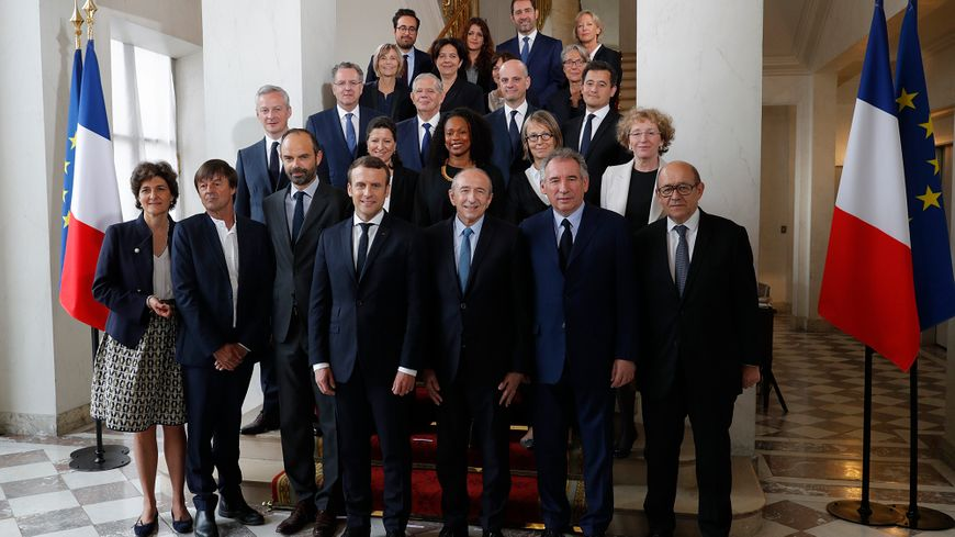 Le gouvernement d'Édouard Philippe au complet, à l'Élysée, pour sa première photo officielle