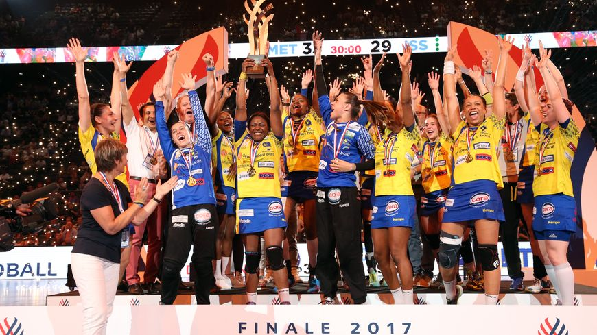 Les Dragonnes remportent la Coupe de France de handball en battant Issy-Paris